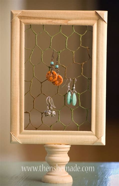 genius rustic decor ideas   chicken wire