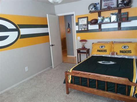 green bay packers bedroom 51 best ideas about bedrooms on pinterest shabby chic