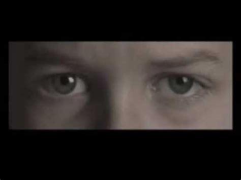schrank junge der buch trailer award 2009 der junge im schrank