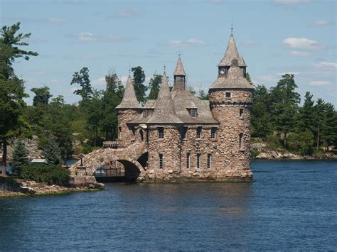 the of the overdue otterhound the thousand islands inn mysteries volume 15 books boldt castle castles photo 543233 fanpop