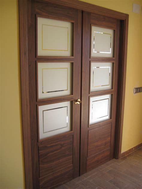 puerta doble de sal 243 n modelo 8400 v3 en nogal casa