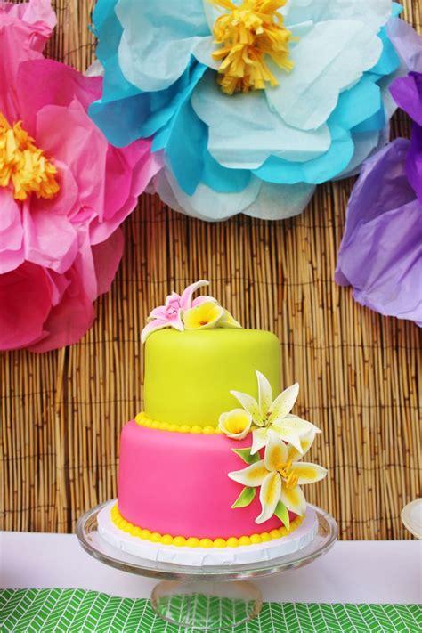 birthday themes hawaii 33 best hawaiian party ideas hawaiian luau party theme