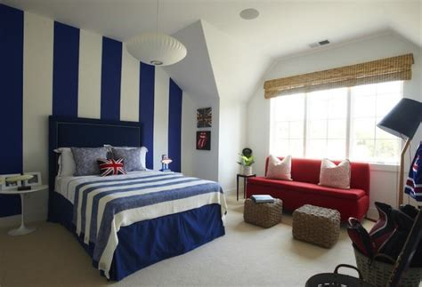 fancy bedrooms  striped accent walls