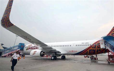 batik air jakarta pekanbaru goriau dilanda hujan badai 3 pesawat rute jakarta