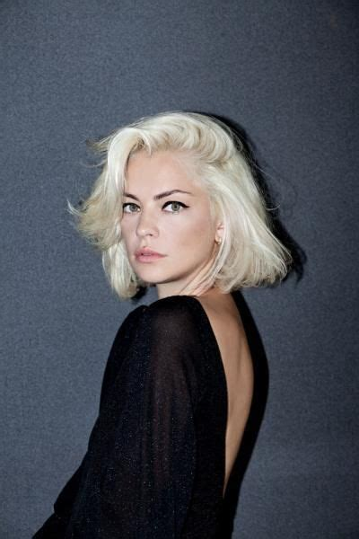 upsidedown bob hairstyles 20 best ideas about short girl hairstyles on pinterest