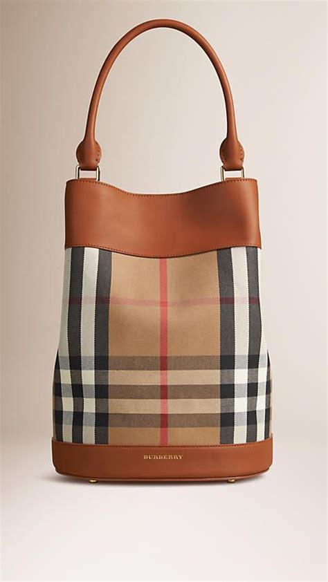 Harga Burberry Summer 25 best ideas about burberry handbags on