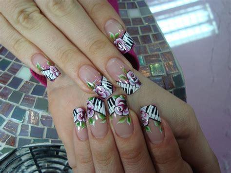fiori in micropittura su unghie nail micropittura news di aprilia in tempo reale