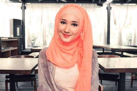 Tutorial Hijab Segi Empat Modern Ala Dian Pelangi | tutorial hijab casual ala dian pelangi trend 2017 jallosi