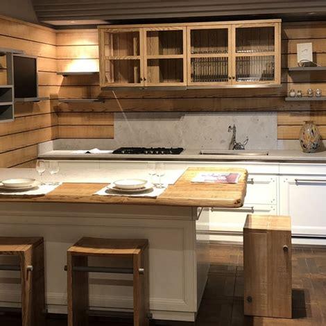 cucine l ottocento cucina con penisola living l ottocento cucine a prezzi