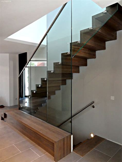 beleuchtung holztreppe die besten 17 ideen zu holztreppe auf treppe