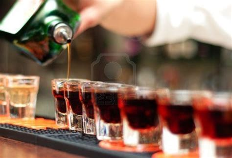 alcoholic drinks at a bar professional bartenders alcohol party catering inc