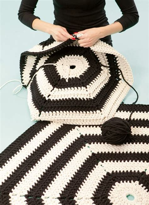 crochet rug diy best 421 needle crafts images on diy and crafts