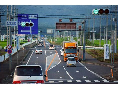 lada semaforo toyota prueba un sistema que avisa de los sem 225 foros en rojo