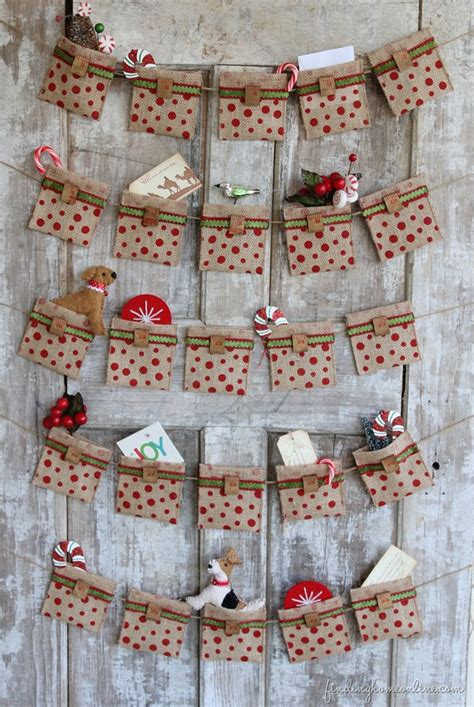 Advent Calendar Handmade - 30 burlap decorations embellishing your home