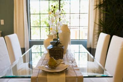 how should a table runner be how to use table runners lovetoknow