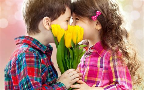 wallpaper couple with baby baby couple wallpaper widescreen cute wallpapers