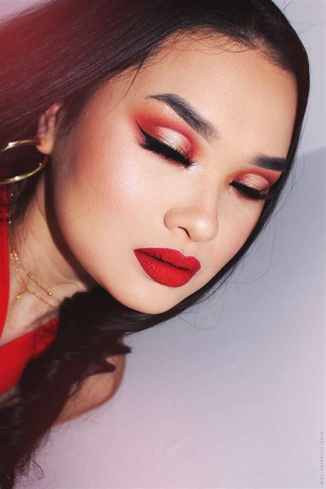 Eyeshadow Glam Glitz new morphe 24g grand glam eyeshadow palette review