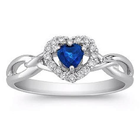 a great promise ring for a this sorry but