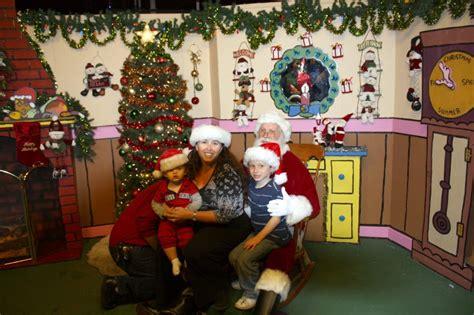 Snoopy House Costa Mesa A Christmas Extravaganza Holiday Part 3
