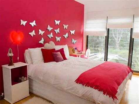 wall decorating ideas for bedrooms red accent wall with white window shade for inexpensive