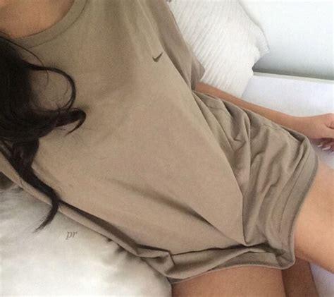 Tshirt Nike Lock Tight top nike beige shirt t shirt brown