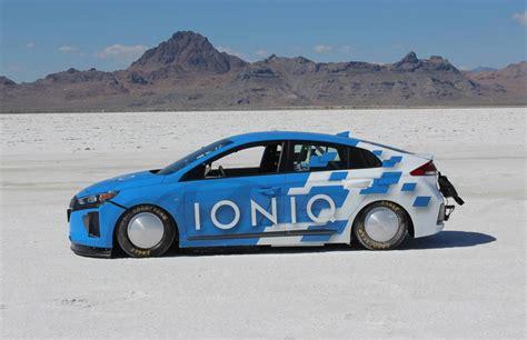 land speed record hyundai ioniq sets hybrid land speed record at bonneville