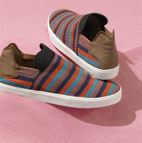 Adidas Elastis Pharell Wiliams adidas consortium x pharrell williams pink