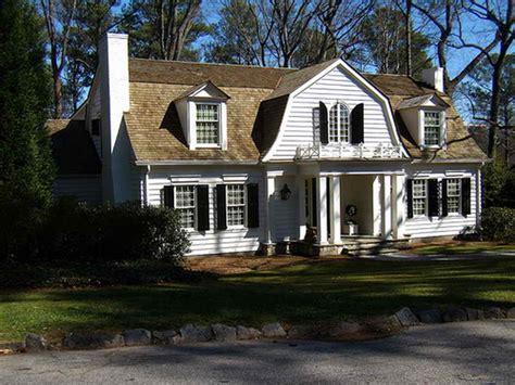 gambrel style style home with gambrel roof shinglehome architecture