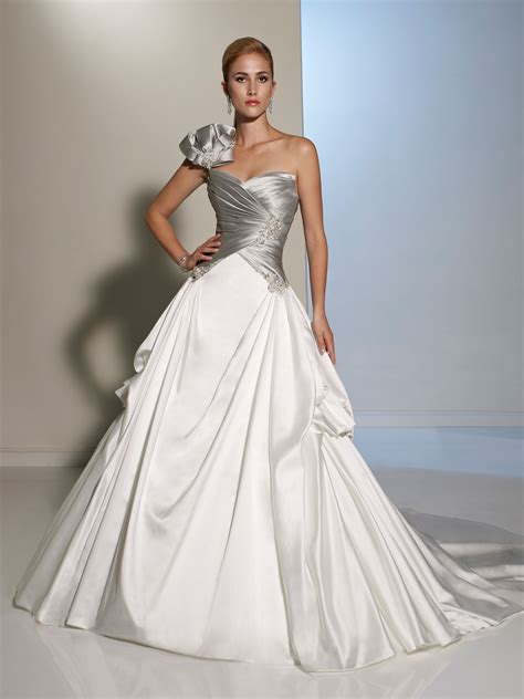ultimate  outstanding unique wedding dresses ohh