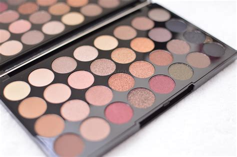 makeover eyeshadow palette a moment makeup revolution ultra 32 shade