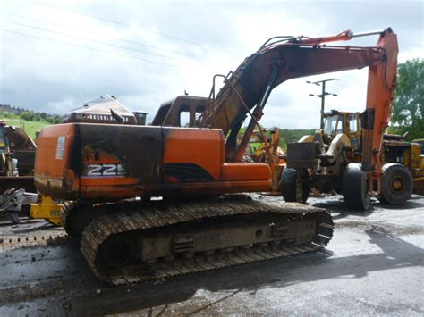 view the used daewoo solar 225 spares parts for