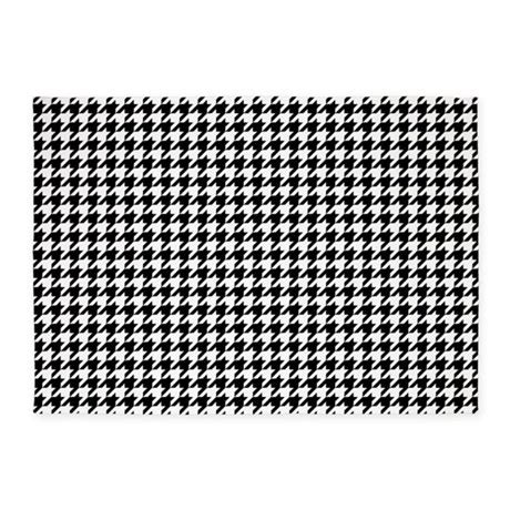 houndstooth area rug houndstooth pattern black white 5 x7 area rug by