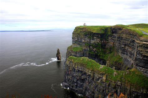 irelands  visited attraction  cliffs  moher