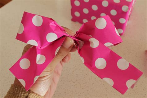 How To Make A Bow With Paper Ribbon - diy paper ribbon and bow tutorial polka dot