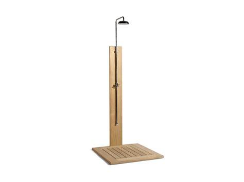 doccia esterna doccia esterna in teak collezione siena by manutti