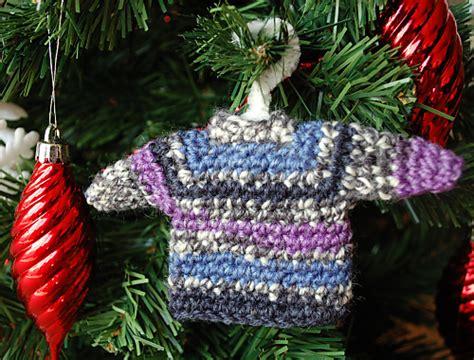 christmas jumper tree decorations pattern crochet uncut and a mini sweater ornament imagine