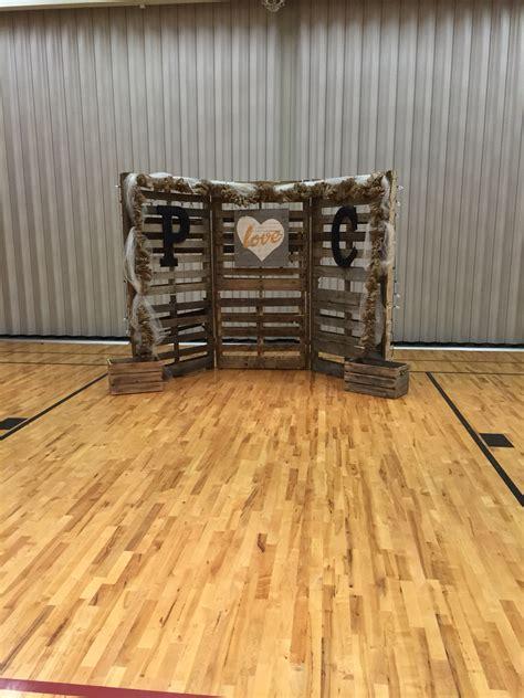 Wedding Backdrop Wood by Jenkins Wedding Pallet Backdrop Wedding Ideas