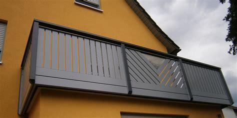 balkongeländer aluminium selbstbau balkongelaender auburger balkongel 228 nder aus kunststoff