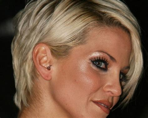 women in their 40s who are in great shape great short haircuts for women over 40