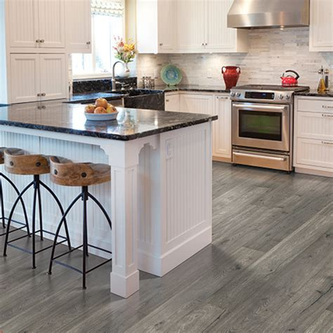 what color laminate flooring with oak cabinets laminate flooring floors laminate floor products