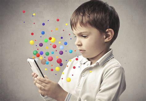 computer kids does your child need a digital detox jeux vid 233 o les enfants pr 233 f 232 rent les smartphones et