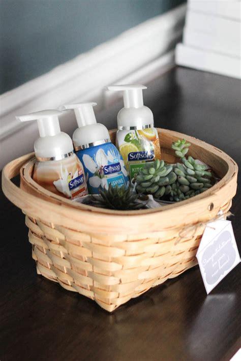 cute housewarming gifts affordable housewarming gift idea free printable tag