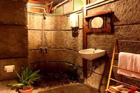 desain kamar mandi tradisional jawa tembi rumah budaya bale inap bernuansa budaya jawa yogya
