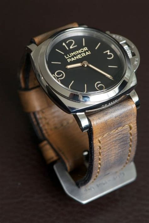 awesome worn in leather look with great looking