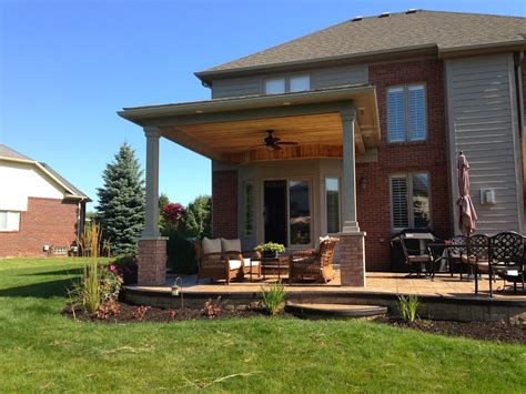 Outdoor Living: Macomb County Michigan covered porch