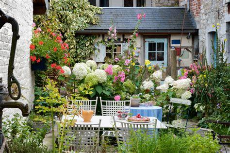 kleine gärten bilder kleiner garten unz 228 hlige gestaltungsm 246 glichkeiten
