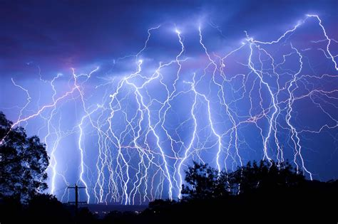 amazing light lightning wallpapers wallpaper cave