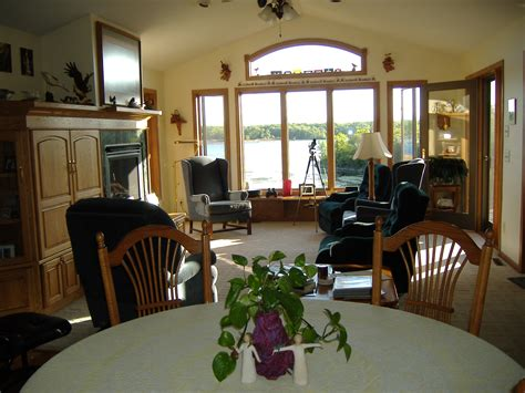 minnesota bed and breakfast the river nest bed and breakfast eagle watching romantic getaway river and bluff
