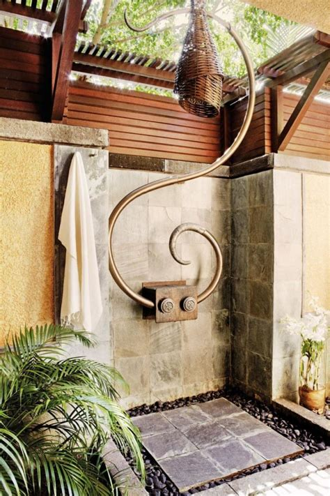 20 refreshing luxurious outdoor showers 183 dwelling decor