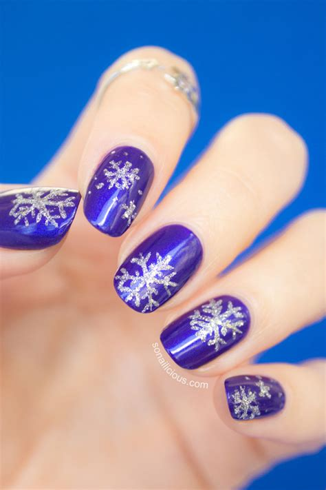 snowflake pattern for nails pics for gt snowflake fingernail designs
